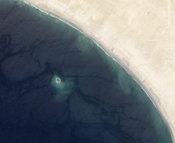 Mud Island en la costa de Gwadar fotografiado por satélite EO-1 de la NASA el 26 de septiembre 2013