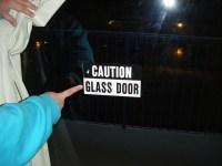 Traveler Sues After Walking into Glass Door - Vagabondish