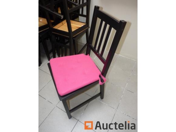 chaises et tables en bois ikea