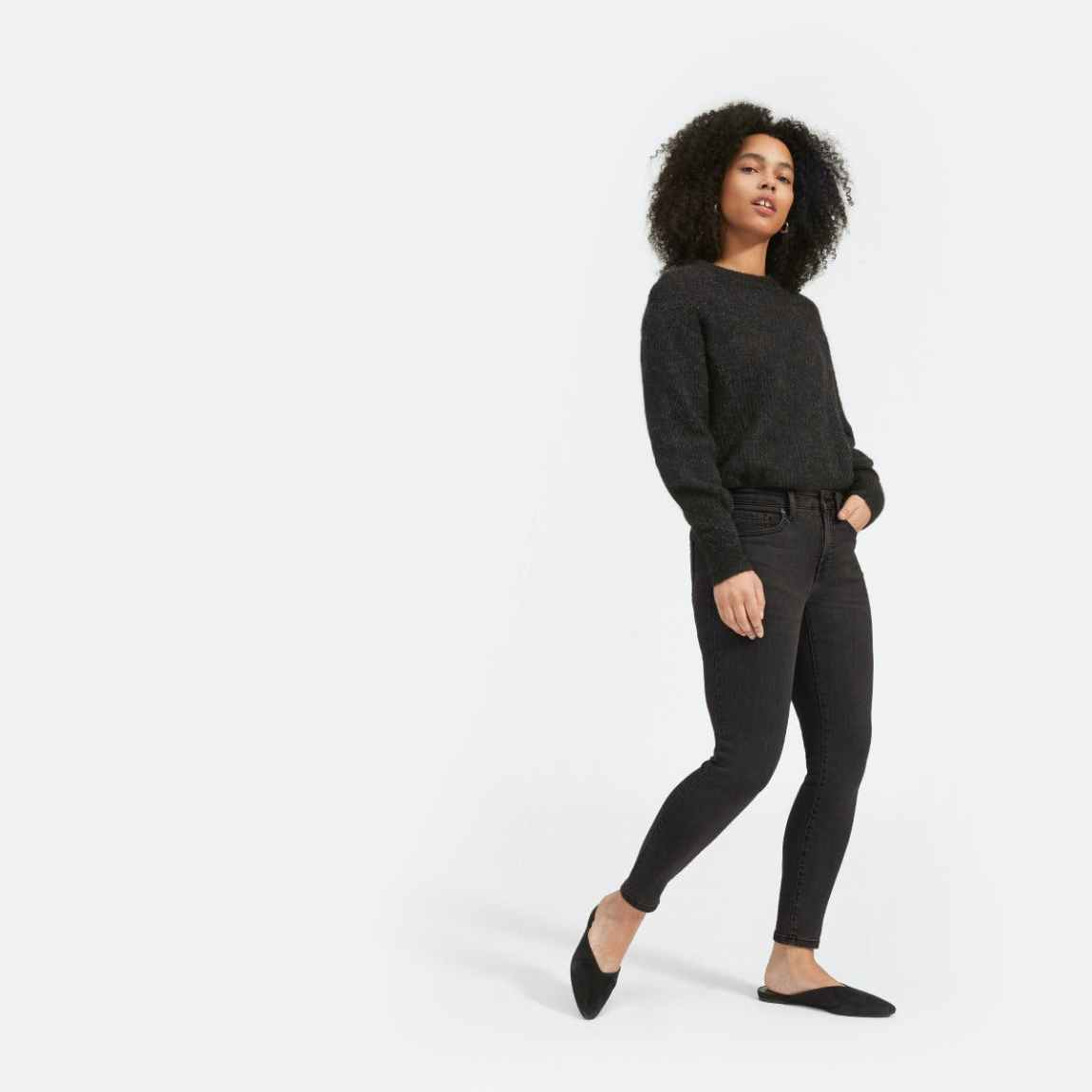 everlane, everlane jeans, everlane denim, japanese denim, skinny jeans, cropped jeans, mid rise jeans, washed black denim, black denim, denimblog, denim blog