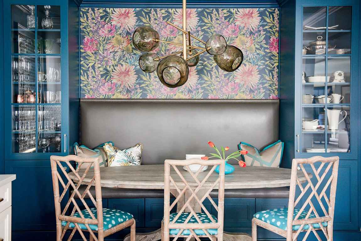 Such rich color in this banquette
