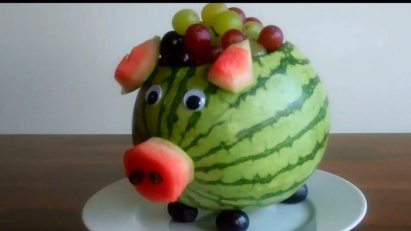 How to Make a Watermelon Pig Centerpiece  Curiouscom