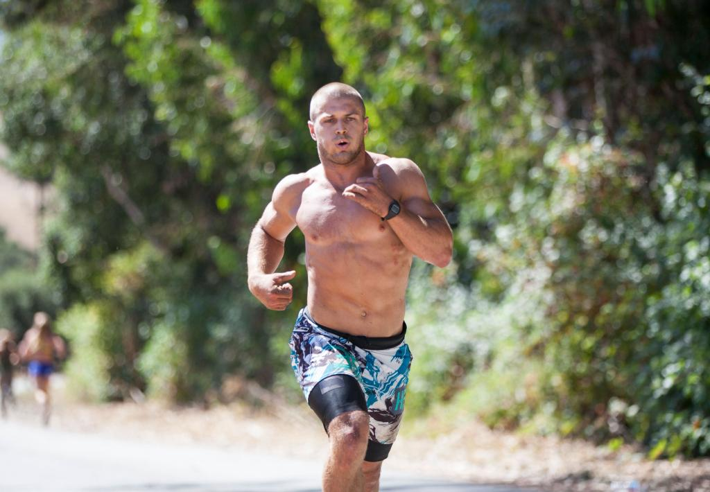 running with muscle diamond