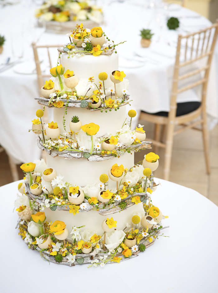 Wedding trend | Make flowers the icing on the cake