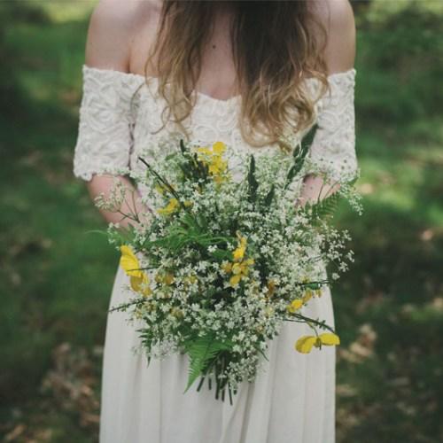 Tupelo Tree wedding flowers