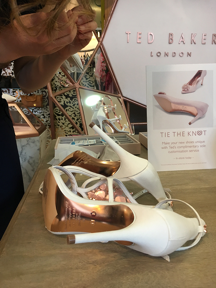 660a882e48466 SWD Tries...the Charmed Off Your Feet personalisation station