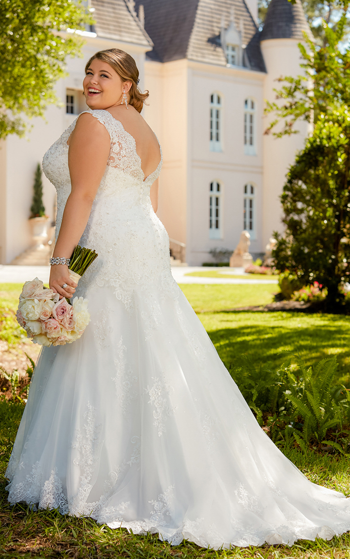 Struggling to find stylish plus-size wedding dresses? You\'ll love ...
