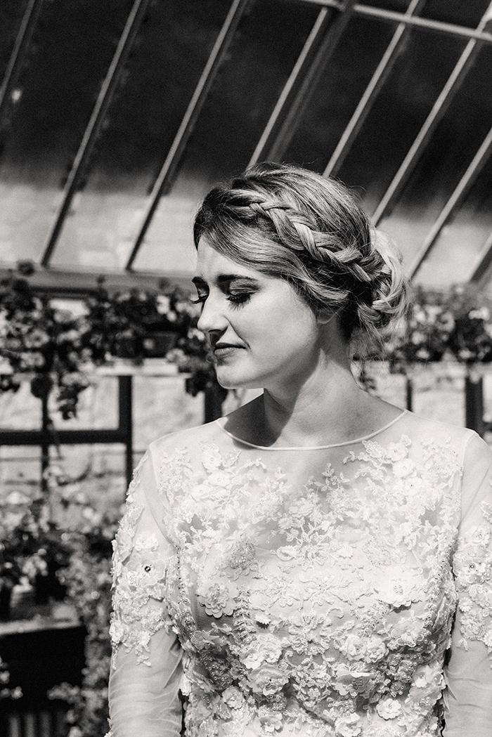Photos by Zoe rustic PapaKåta tipi wedding - bride portrait