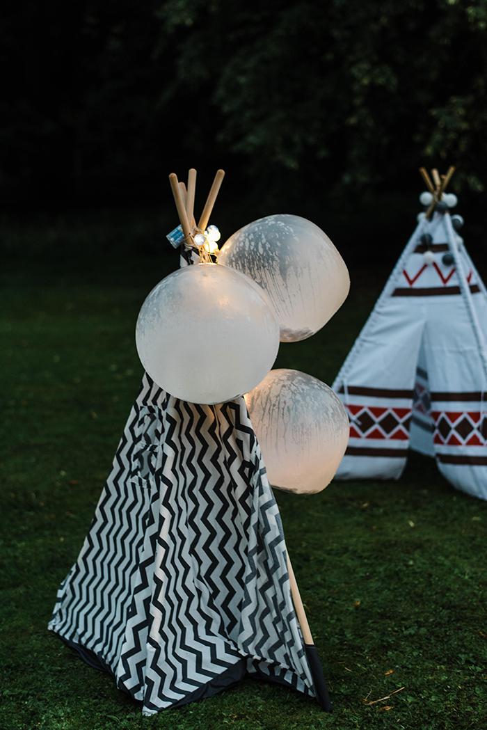 Photos by Zoe rustic PapaKåta tipi wedding - kids tipis
