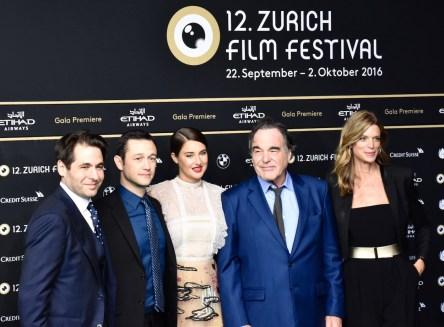 ZFF, Green Carpet, SNOWDEN, Oliver Stone, Joseph Gordon-Levitt, Shailene Woodley, Nadja Schildknecht and Karl Spoerri