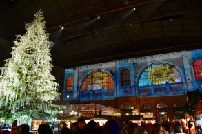 Zurich Christkindlimarkt (christmas Market) At The Main Train Station