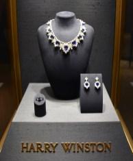 Baselworld 2017, Frosty diamonds with blue sapphires, Harry Winston