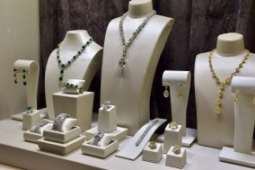 Baselworld 2017, Jacob & Co presented all the trendy colours