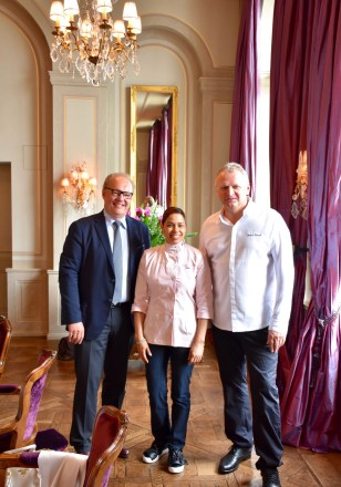 Chefs Peter Knogl and Maria Marte with Hans-Kristian Hoejsgaard, CEO of Oettinger Davidoff AG