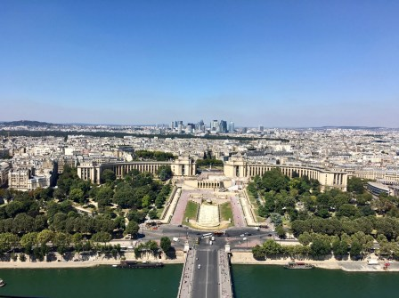 Paris, Eiffel Tower, view over Jardins du Trocadéro