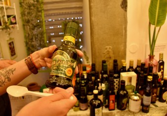 Florence Gourmet Food Tour, learning more about and tasting amazing balsamic vinegar and olive oil