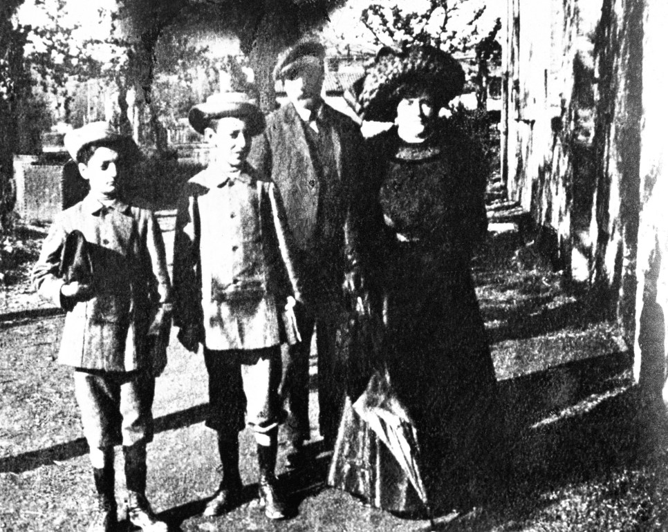 Enzo Ferrari's Family, around 1906