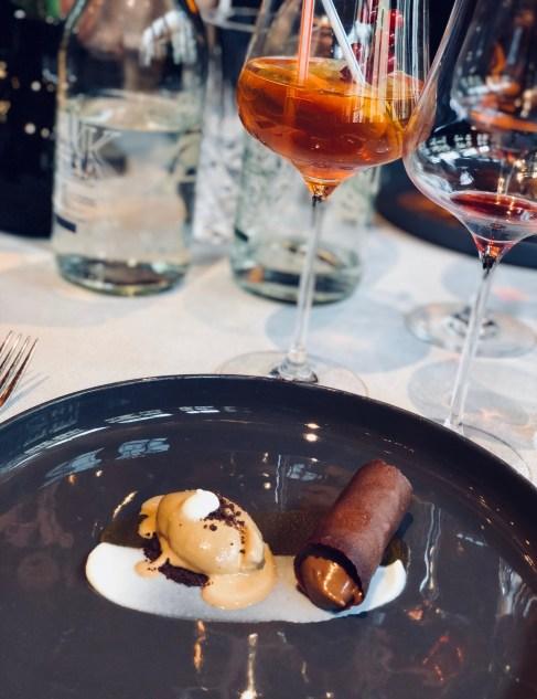 The Coffee-Wine-Food presentation by Mövenpick. Dish: Espresso Cannoli. Latte sorbet. Yogurt & caramel. Cocktail: Mövenpick Lemonade. Wine: 2014 ÉO Noir