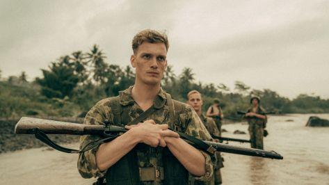 Martijn Lakemeier in De Oost recensie op Amazon Prime Video