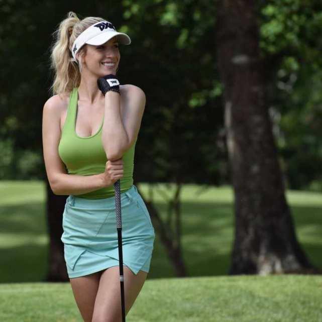25 fotos de Paige Spiranac que te harán repensar lo aburrido que es el golf