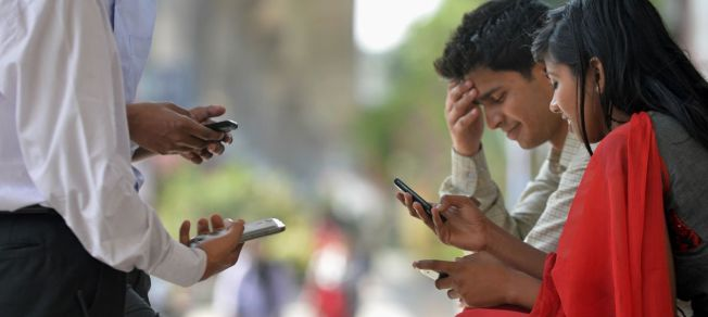 Messaging apps are talking to Indians in local languages and Hike is trying to be the loudest