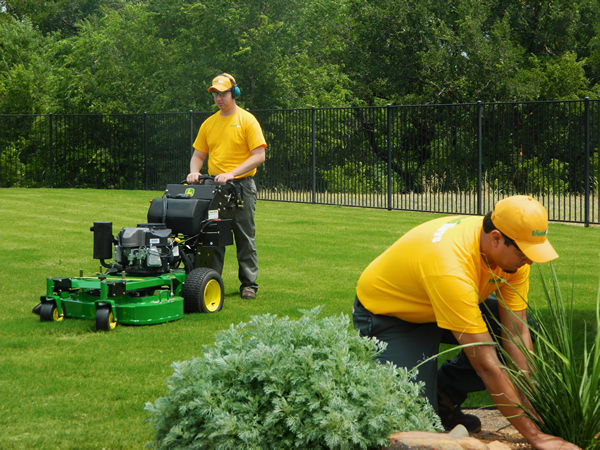 grounds guys franchise costs