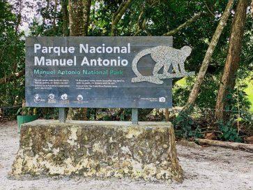 The main entrance sign to Parque Nacional Manuel Antonio