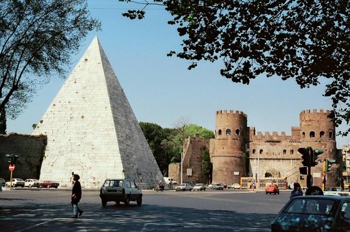 Photo of the Pyramid of Cestius.