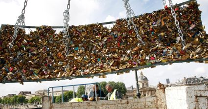 Officials removed the locks from Paris Bridge