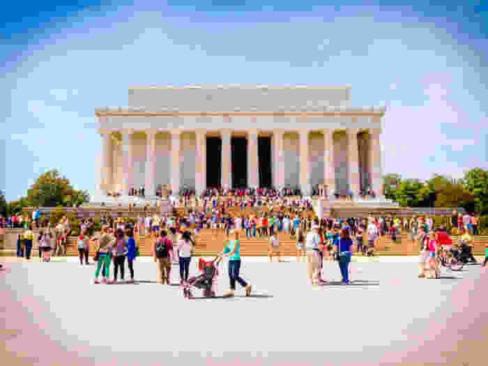 Lincoln Memorial surrounded by tourists.