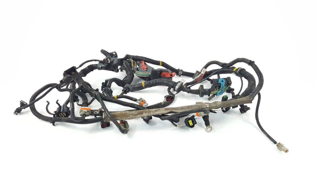 Engine Wiring Harness 2.4L FWD Has One Cracked Plug OEM 05