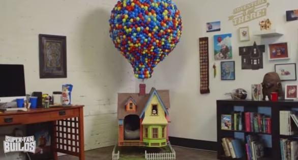 Fan di Up fa costruire una cuccia per il cane identica alla casa del protagonista
