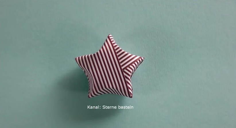 Come fare una stella di Natale 3D con l39origami