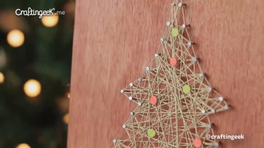 Come fare un albero di Natale con filo e chiodi
