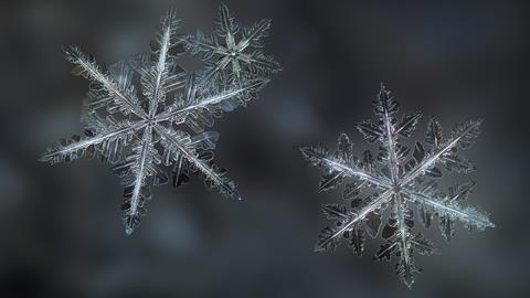 what makes a snowflake