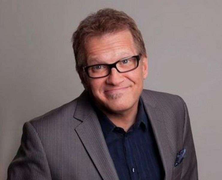 Drew Carey hosts NASCAR's year-end banquet in Vegas - AXS