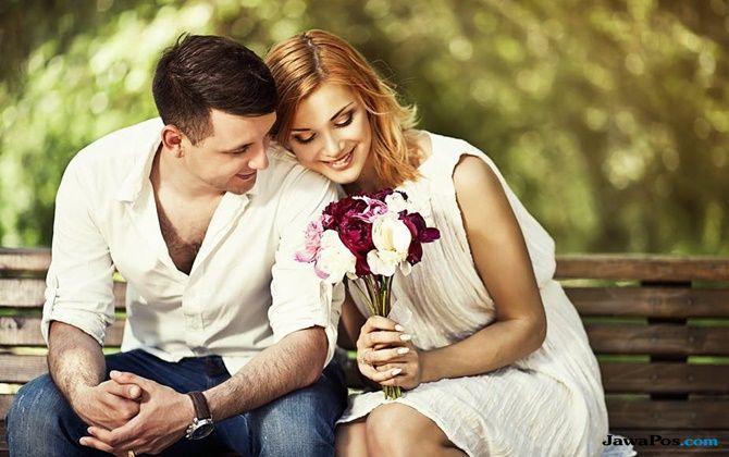 tips percintaan, tips taklukan wanita, cara dapatkan hati wanita, sikap romantis pria,