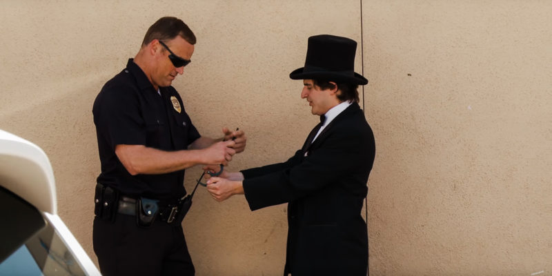 Magician Cop Weed 1 of 1 800x400 A magician tries to sell a cop weed and then makes it disappear