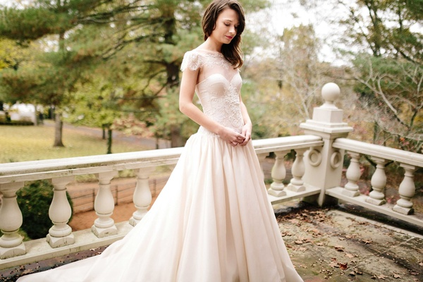 Beautiful Fairy-Tale Wedding Dresses From The Olia