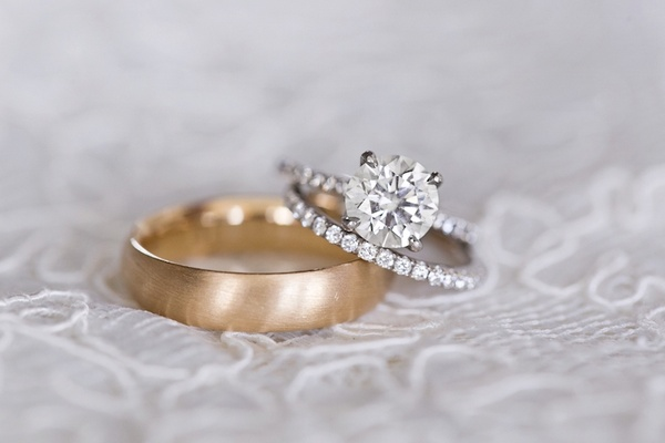 Engagement Rings Solitaire And Round Cut Diamonds
