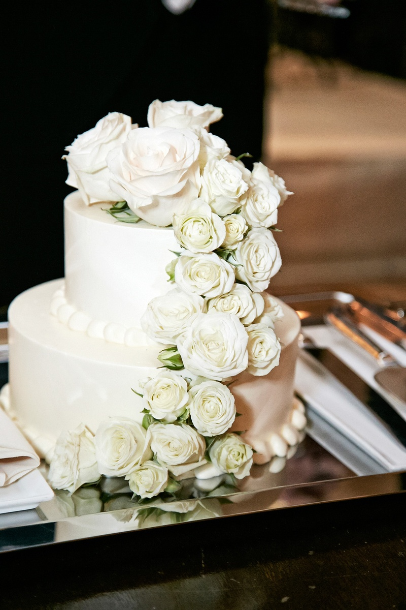 Cakes Desserts Photos Petite Wedding Cake With Roses Inside