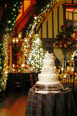 Christmas Theme Wedding With Festive Red Amp Green Dcor In