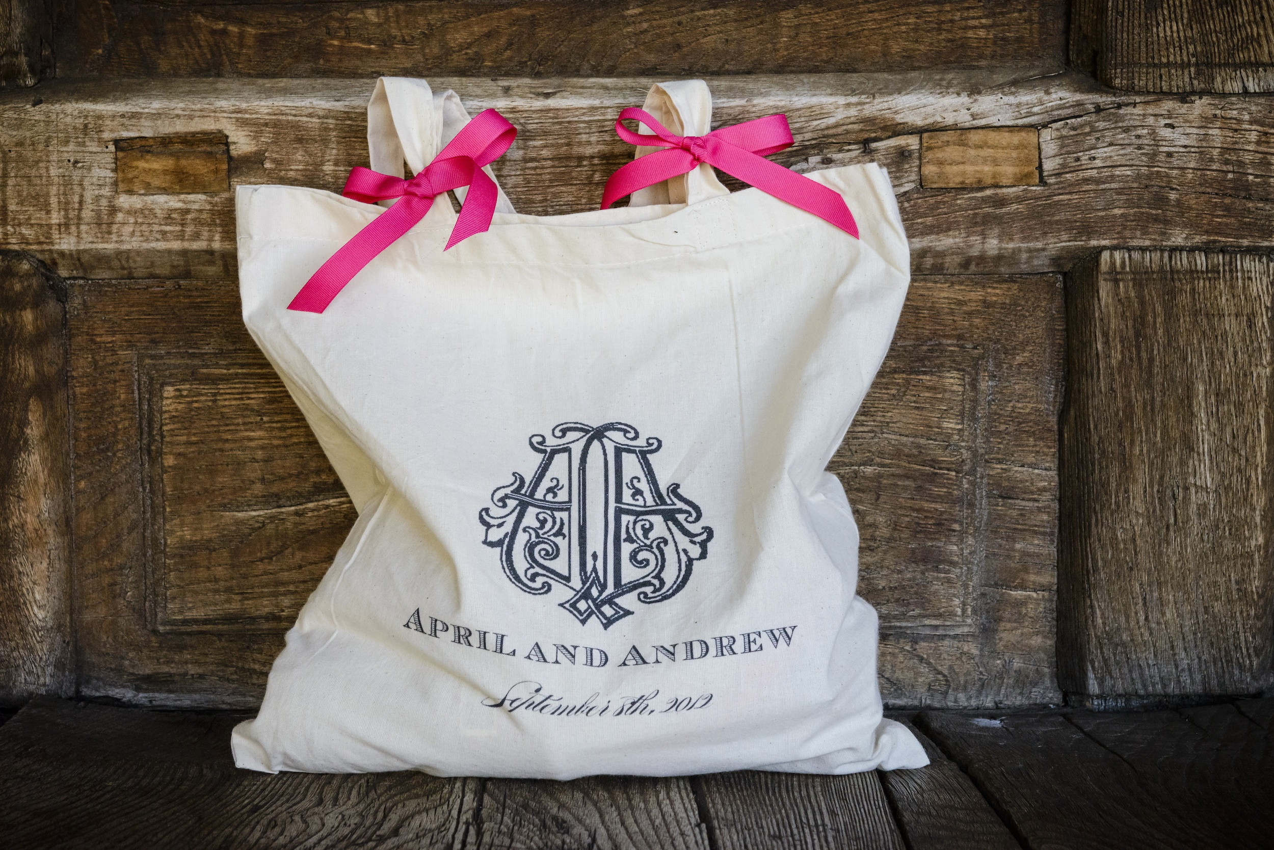 Gift Bags For Guests & Bridesmaids: A How-To Guide