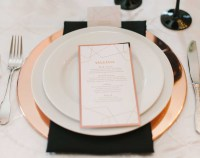 11 Chargers that Transformed Place Settings - Inside Weddings