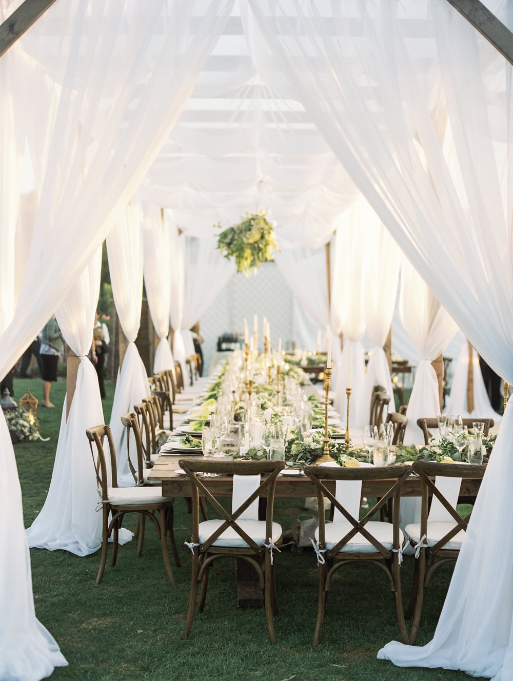 wedding ideas no tablecloths