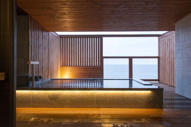 the living room with sky bar %e3%83%90%e3%82%a4%e3%83%88 rustic decor tsunagu japan s top picks for japanese hotels inns e3 83 a1 82 a4