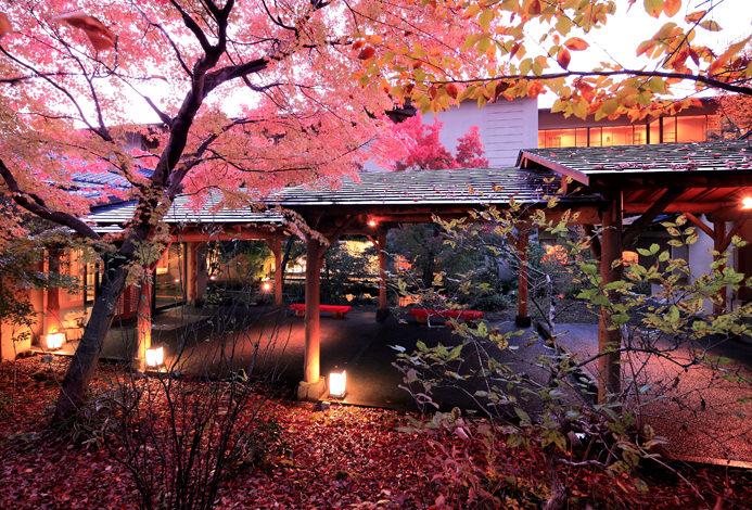 【日本住宿】秋季享樂之旅!精選12間能夠盡享楓葉絕景的旅館 | tsunagu Japan 繫日本