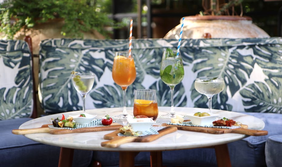 Best happy hour deals in Singapore for drinks on a dime