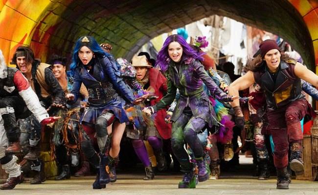 The New Descendants 3 Music Video Proves It S Good To Be