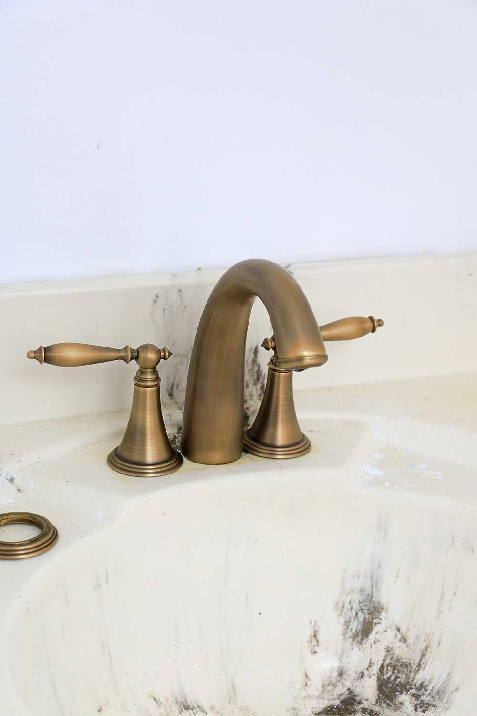 https homemadebycarmona com half bath makeover the final touches antique brass faucet